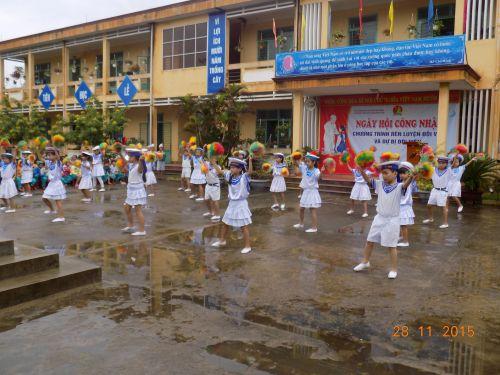 Ngày hội công nhận chương trình Rèn luyện đội viên và dự bị đội viên tại Liên đội trường TH Nguyễn Trãi